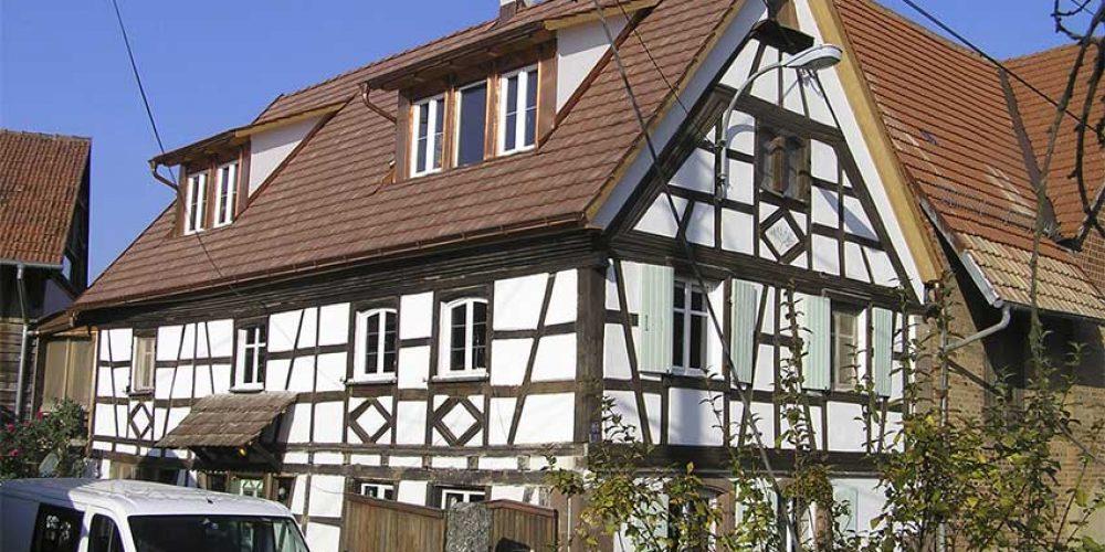 https://mio-holzbau.de/wp-content/uploads/fachwerkhaus-sanierung.jpg
